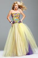 Яркие выпускные платья