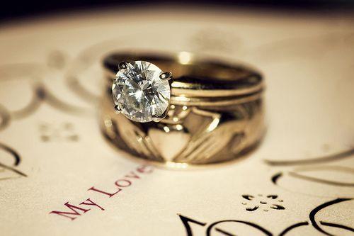 49dc8ee429b8 Обручальные кольца с бриллиантами  время выбирать камни. Обручальные ...