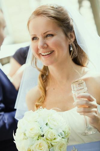 Свадебная прическа для лопоухих 83
